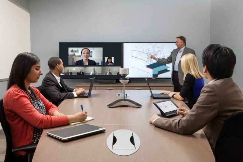 Phòng họp trực tuyến Microsoft Lync kết hợp Polycom CX8000